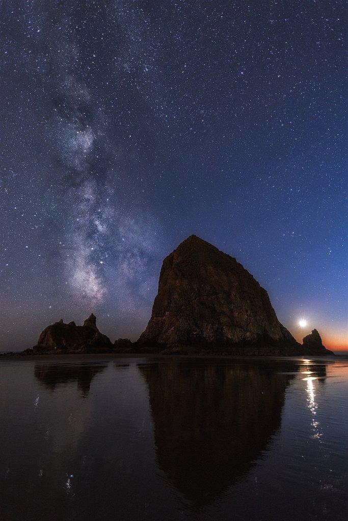 Cannon-Beach-Milky-Way-10-11-2018-20-00-40.jpg